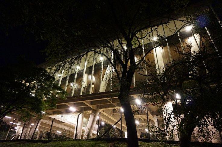La Enseñanza School Auditorium / OPUS + MEJÍA, © Sergio Gómez