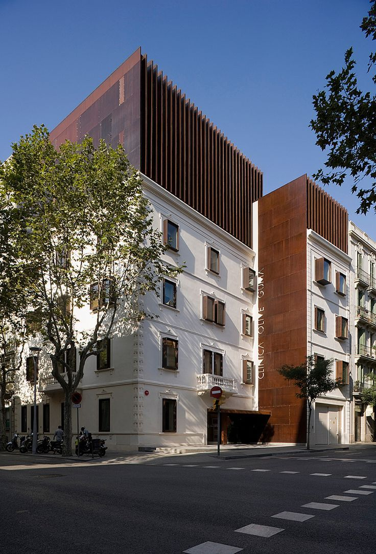 After Building Their Headquarters In Barcelona Mm Commissioned Us