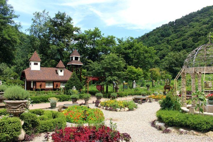 Herb Garden, Farm Herbnara