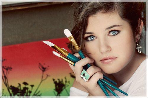 OUTFIT POSE HAIR POSING IDEAS FOR SENIOR PORTRAITS Online | Newspaper | Celeb | DraggPostCom Popular