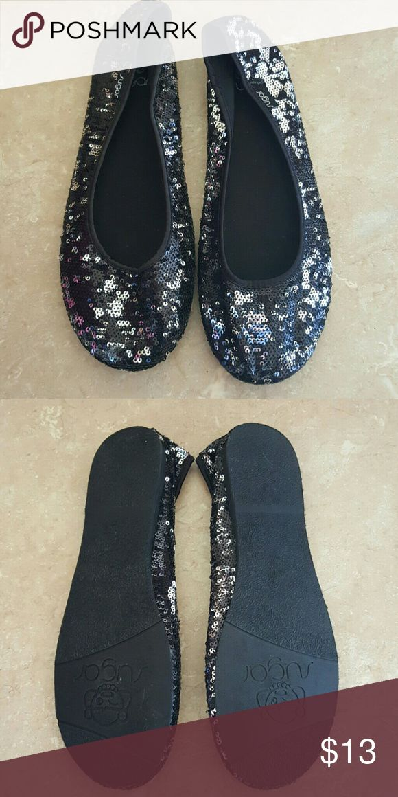 SALE PRICE TODAY ONLY 🌹 Bnwot sparkle flats Size 91/2 black and silver sparkle flats. Adorable for the holidays bnwot sugar Shoes Flats & Loafers