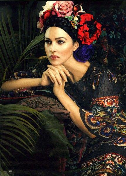 Monica Bellucci in Dolce & Gabbana Photography by Signe Vilstrup - niezmiennie piękna!