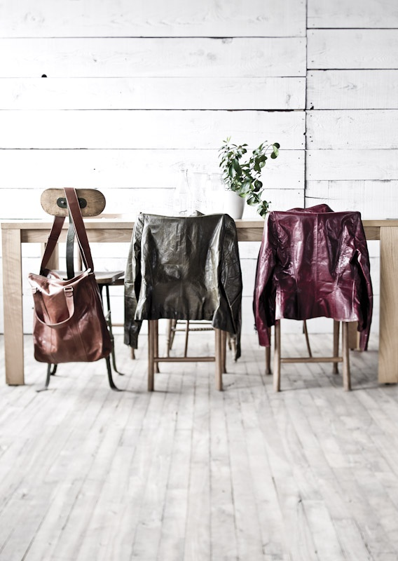 #m0851, 25 years | Leather Bag balwe20, Leather jackets vlbz2736 | Fall 2012 / Winter 2013 www.m0851.com/home/