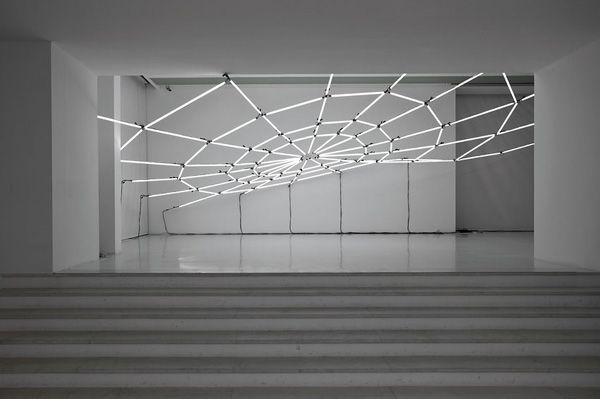 Geek Art Gallery: Electronic Art: Neon Tube Installation