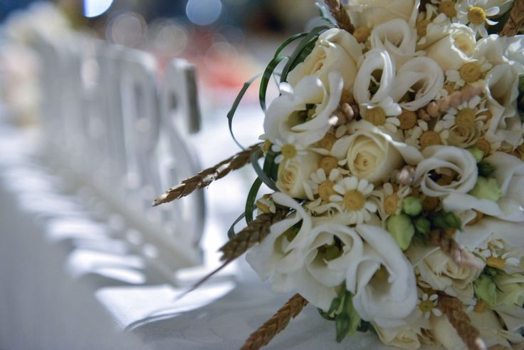 MR & MRS, Wedding Table, Contact Photography
