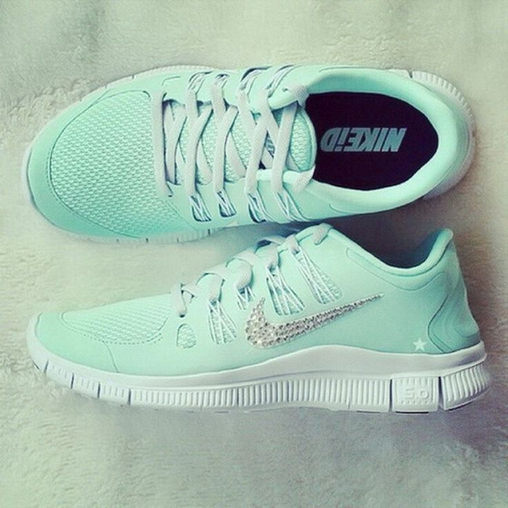 Not much into mint green but I like theses! Mint Green Glitter Nikes  fashion shoes sneakers glitter green nike mint tennis running
