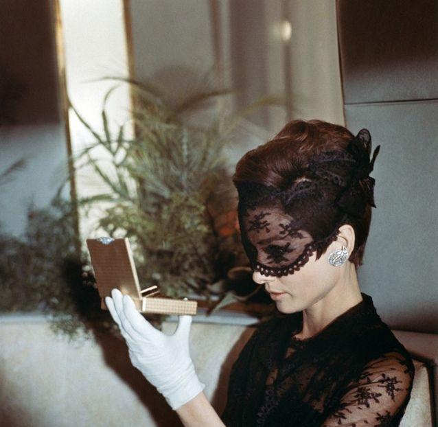 Audrey Hepburn, duh.: Black Lace, Vintage Photos, Masquerades Ball, Lace Masks, Audrey Hepburn, Style Icons, Movie, Audreyhepburn, Eye