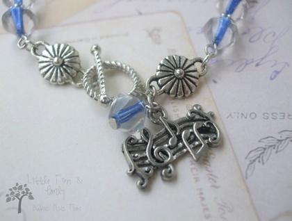Musical charm bracelet