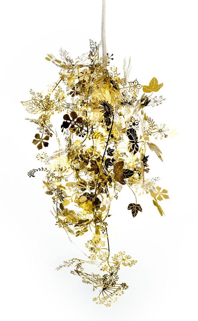 Metal garland pendant light // Tord Boontje. #lamp #chandelier #goldDecor, Trav'Lin Lights, Garlands Lights, Tangled Lights, Lights Bulbs, Tord Boontje, Gold, Design, Artecnica