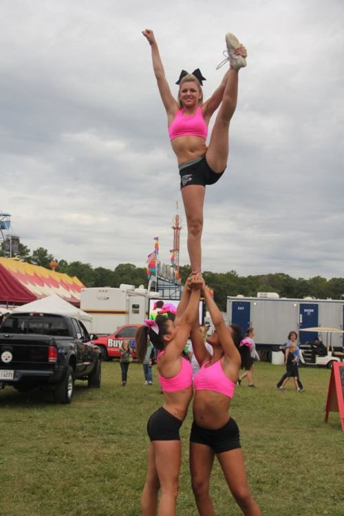 cheerleading heel stretch cheerleader stunt, cheerleaders, practice, fit, strength, sports, m.30.6