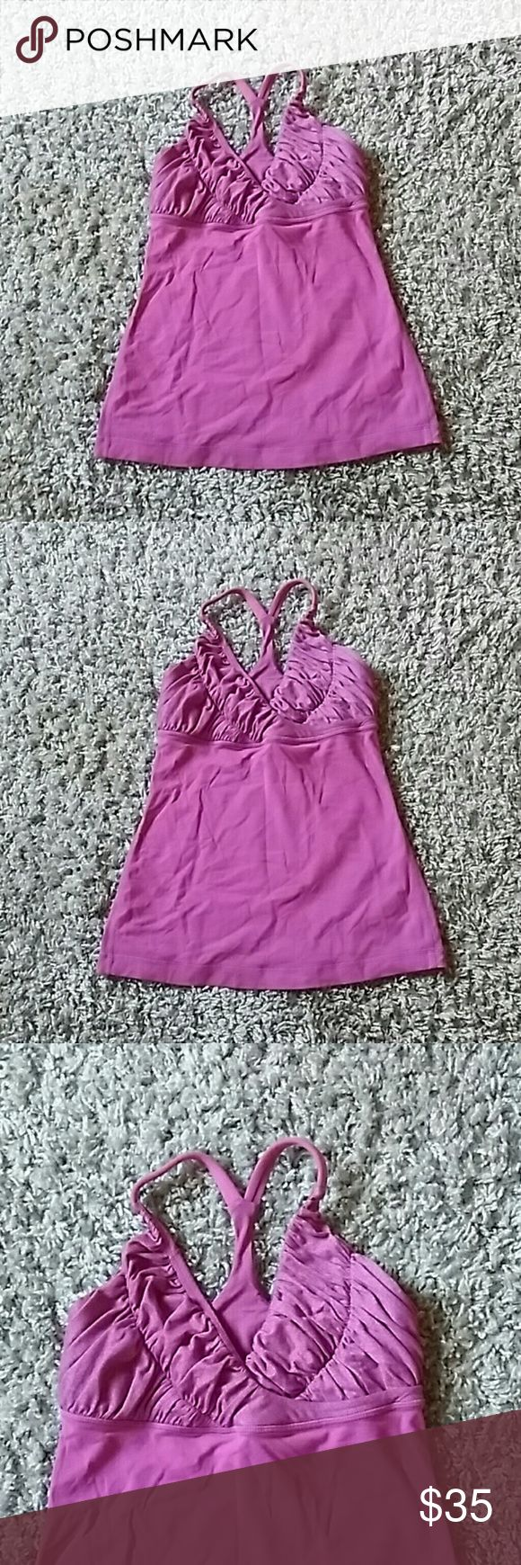 Lululemon athletica Very nice women top perfect for workout lululemon athletica Tops