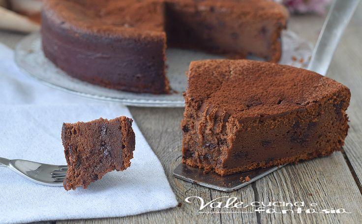 MOELLEUX AL CIOCCOLATO FONDENTE ricetta dolce al cioccolato, leggero , senza burro, farina e lievito, finalmente una torta che tutti posso mangiare