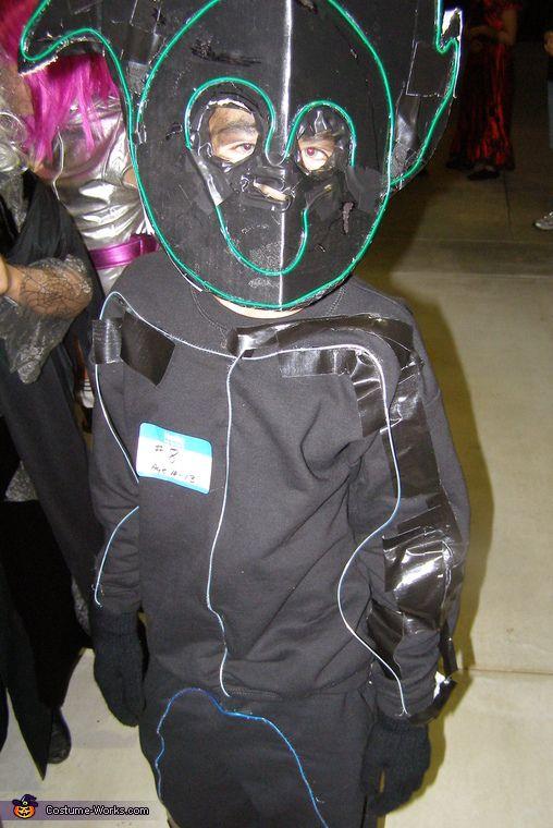 Stick Man - Halloween Costume Contest via @costume_works