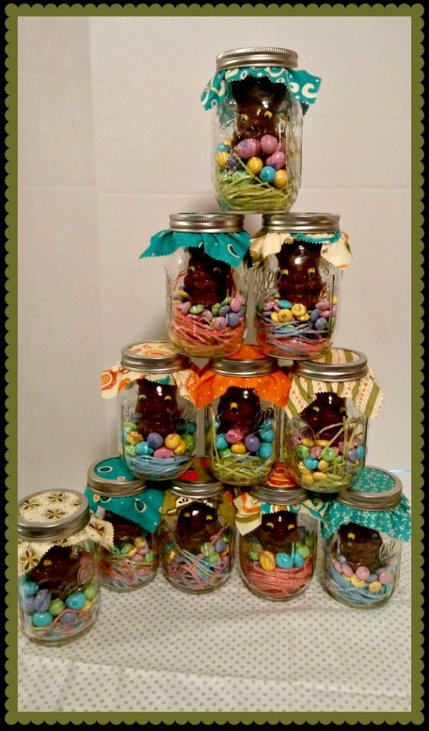 Make these adorable Easter treats in no time! A simple craft project for the kids and a sweet treat to give to friends and family. http://nestfullofnew.com/easter-mason-jar-craft/