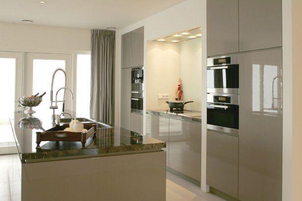 Witte Keuken Taupe Muur : dan 1000 afbeeldingen over Keuken op Pinterest – Met, Taupe en Keukens