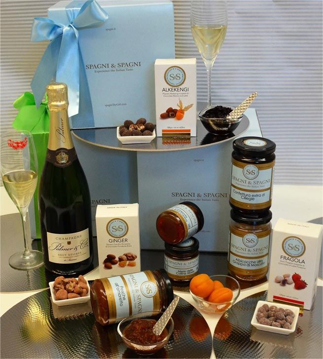 Ready for #Valentinesday celebrating? Greatest Emotion #FoodHamper: The #perfectgift to brighten Your day! https://goo.gl/T8whHK