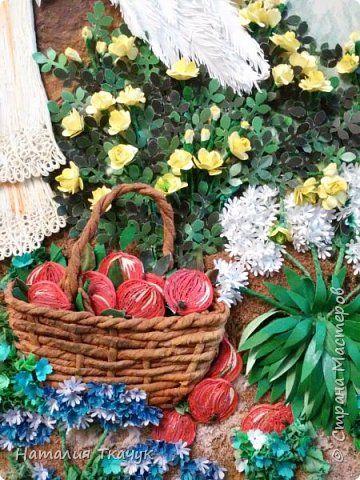 Картина панно рисунок День рождения Бумагопластика Квиллинг Папье-маше Ангелочек в яблоневом саду Бумага Бумажные полосы фото 9