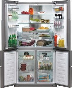 The fridges American, also known under the name of 'side by side' fridges, feed the imagination of many lovers of Interior. Great handsets where parts refrigerator and freezer are placed one next to the other, or one under the other, proved extremely practical and attract