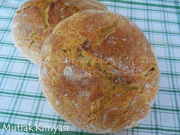 30 - 40 gündür evde ekmek yapımı ile uğraşıyoruz. Evde ekmek nasıl yapılır sorusuna cevap ararken kendimizi ekmek macerasının içinde b...