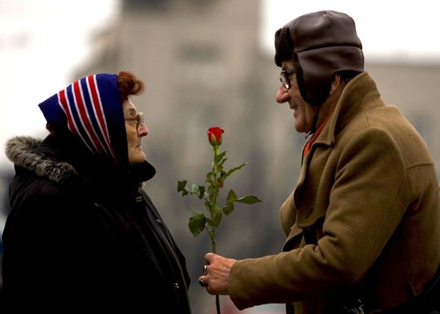 12 Photos of True Love That Will Melt Your Heart