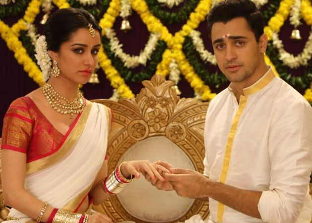 www.weddingstoryz.com Desi Indian bride dulhan make up lehenga south indian
