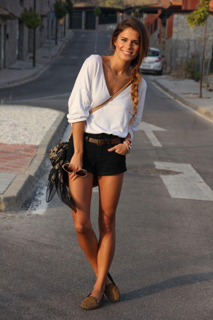 : Black Shorts, Summer Looks, Casual Summer, Shorts Outfits, Summer Style, White Shirts, Summer Outfits, Casual Outfits, Travel Outfits