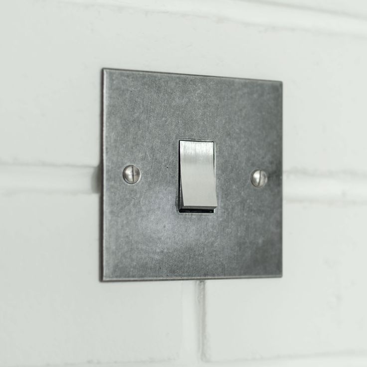 1 GANG STEEL ROCKER SWITCH  WITH POLISHED BEVELLED PLATE