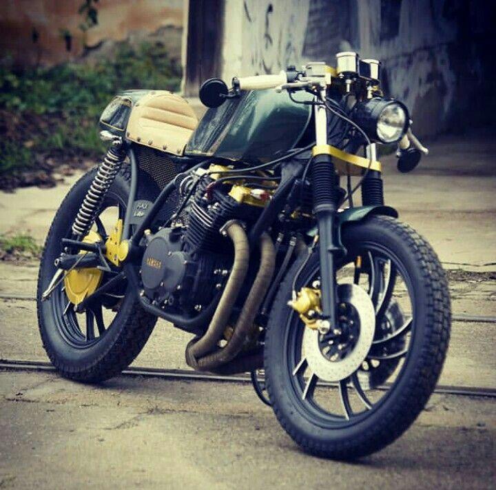 Pojďme se projet / Let's go for a ride  #caferacer #caferacerxxx #ride #motorcycle #motorbike #yamaha #motorka #projížďka #czechboy #traveling #customizedmotorcycles #blackcloud #picoftheday  #photooftheday #instagood #instadaily