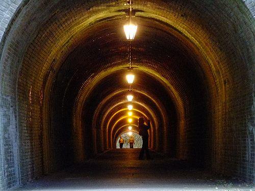 宇津の谷トンネル