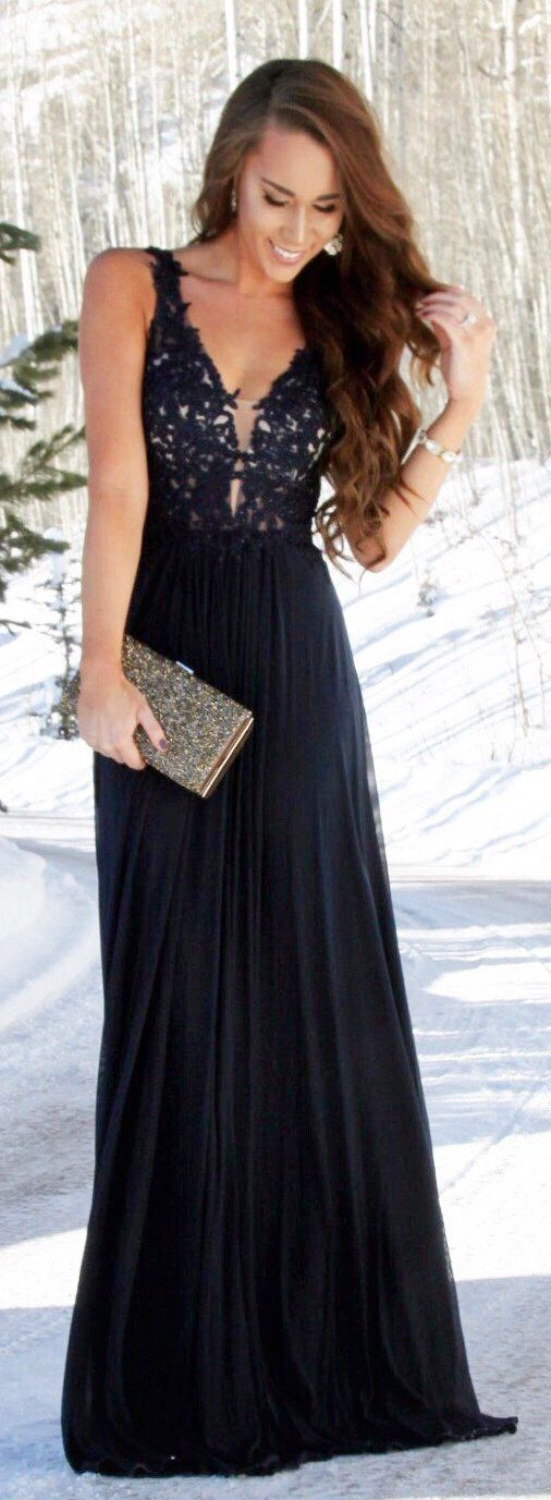 #spring #fashion /  Black Lace Maxi Dress / Sequins Clutch