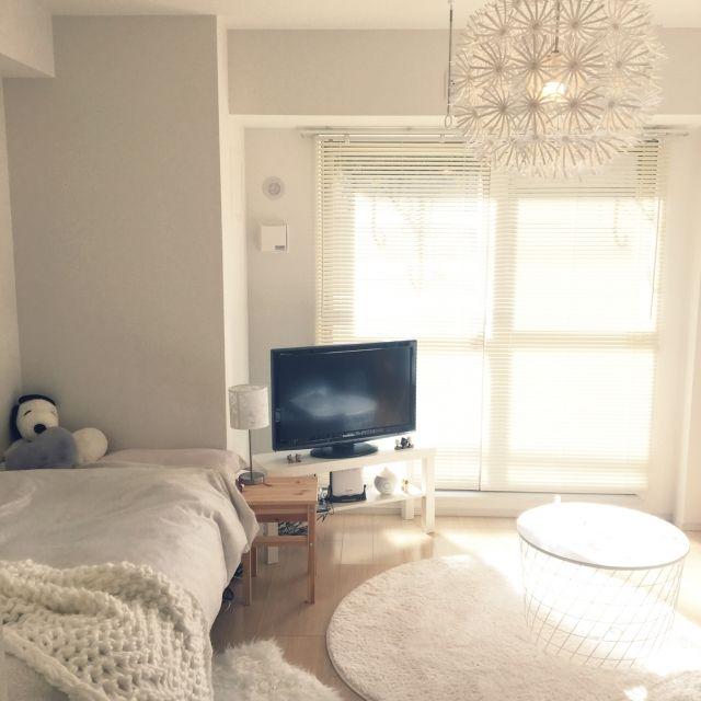 yukiさんの、部屋全体,ダイソー,IKEA,ハンドメイド,北欧,ニトリ,ホワイトインテリア,プチプラ,ひとり暮らし,IKEA 照明,シンプルライフ,プチプラインテリア,ひとり暮らしをとことん楽しむ!,ホワイト インテリア,賃貸でも楽しく♪,chunky knit blanket,のお部屋写真