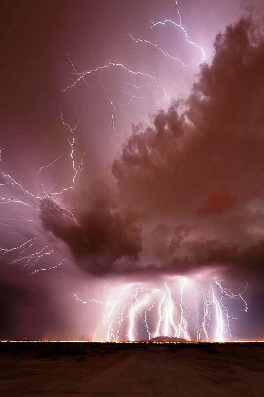 An enormous amount of lightning strikes in Casa Grande, Arizona, USA