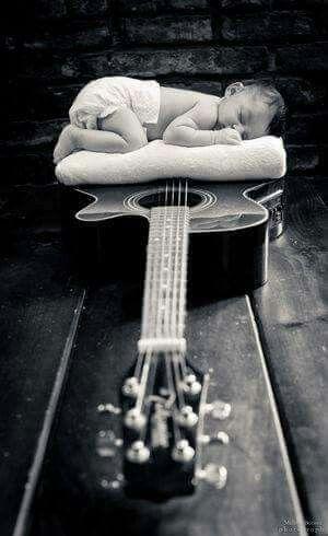 Guitarra i nen