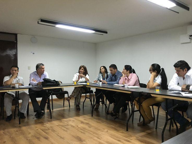 Mesa de responsabilidad social empresarial con la presencia de la Cámara de Comercio de Buga, Comfandi y Alcaldía de Buga.