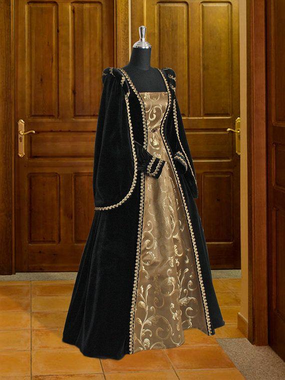 Renaissance Dress Handmade from Velvet and door YourDressmaker