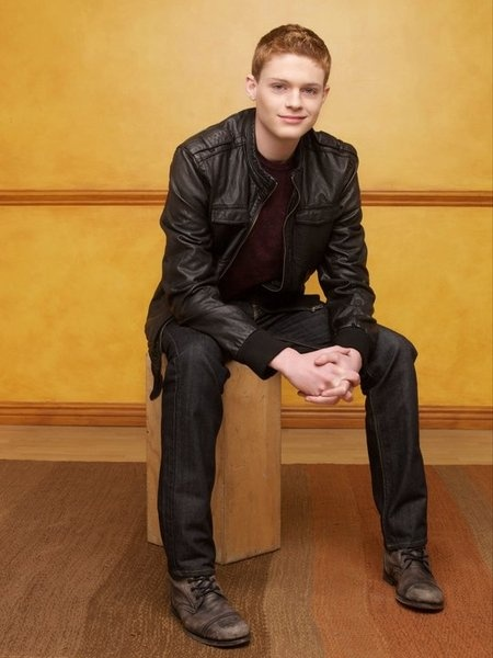 Sean Berdy (Emmett, Switched at Birth) I'd learn sign-language for him <3