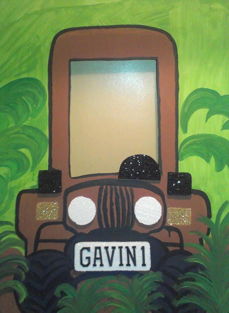 Personalized hand painted photo prop for kids safari theme party. Dnkdesigns@aol.com