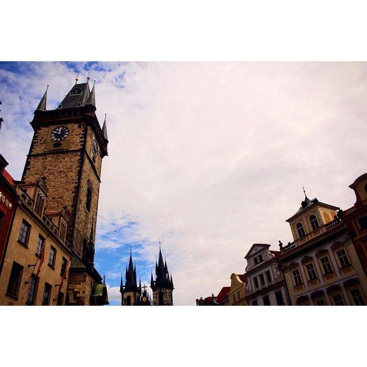 Prague, Old Town Square.  Zobrazit tuto fotku na Instagramu od uživatele @michaelavavrin • To se mi líbí (298)
