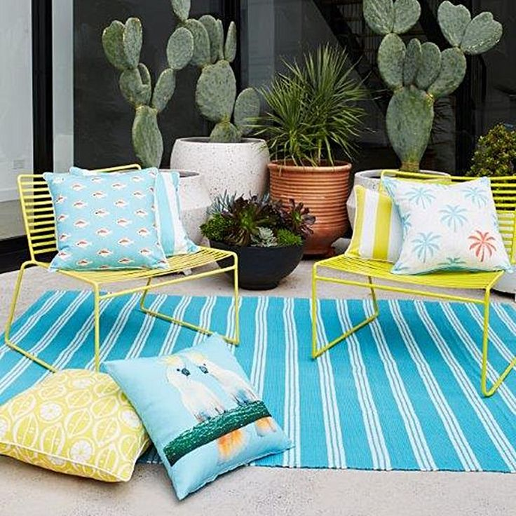 Ensure long-lasting style for your alfresco area with the durable Riviera Stripe Indoor/Outdoor Rug from Rapee.
