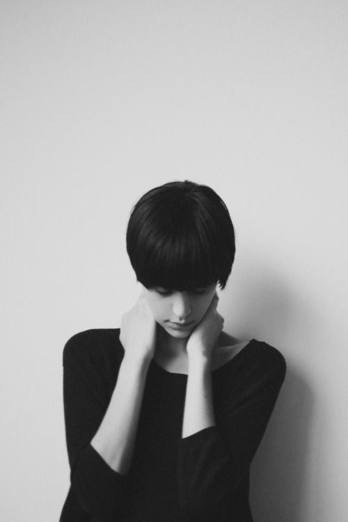 : Girl, Beautiful Women, Short Hair Styles, Hairstyle, Shorts, Beauty, Portraits, People