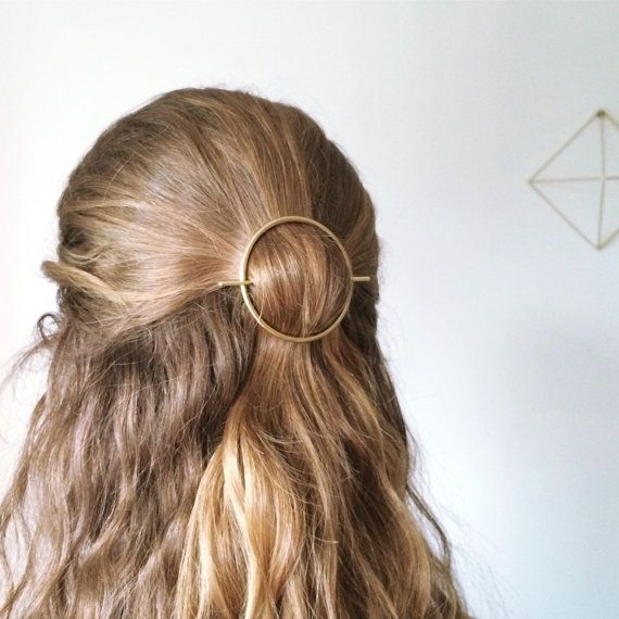 Minimalist gold hair accessories - brass hair clip - round barrette - hair pin - gold hair slide - geometric hair clip Simple, minimalist and chic design. This gold brass hair accessory is a must for a quick hairstyle! The 2 inches barrette works best with a half bun or a whole bun hairstyle. It might not stays in for people with fine or straight hair. ▼△▼△▼△▼△▼△▼△▼△▼△▼△▼ 1.5 hoop: 2.4mm thick, 2.5 long bar 2 hoop: 2.4mm thick, 3 long bar Please note that his hair accessory works best wi...