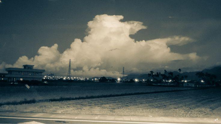 ✐ [09] _2013/7/8  羅東今天沒下雨 而且還有好藍的天和好高好美的雲