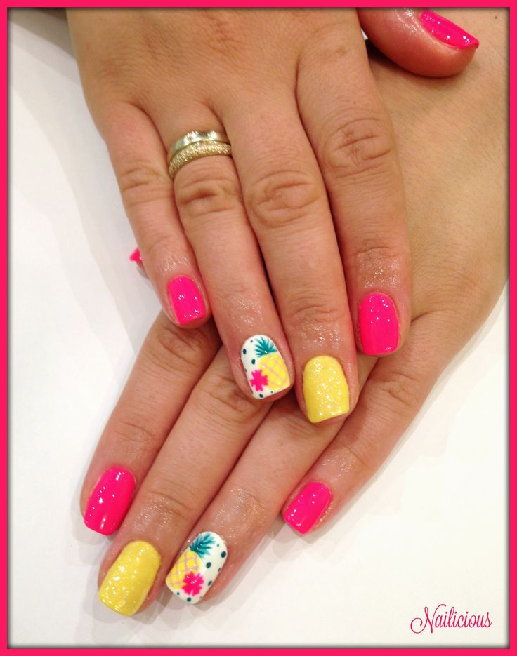 Fuchsia nails with Pineapple Design