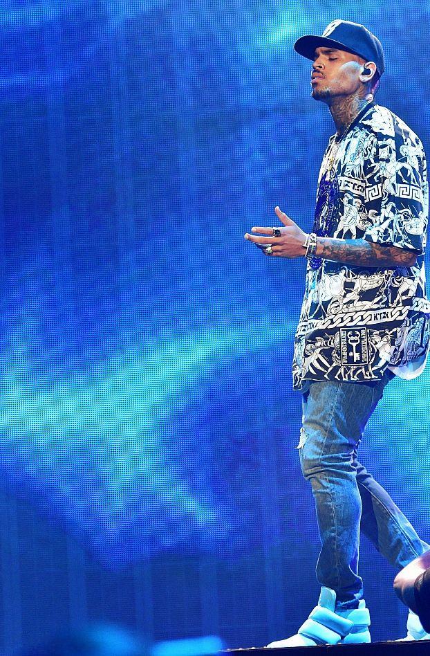 Latest Chris Brown Updates : Photo