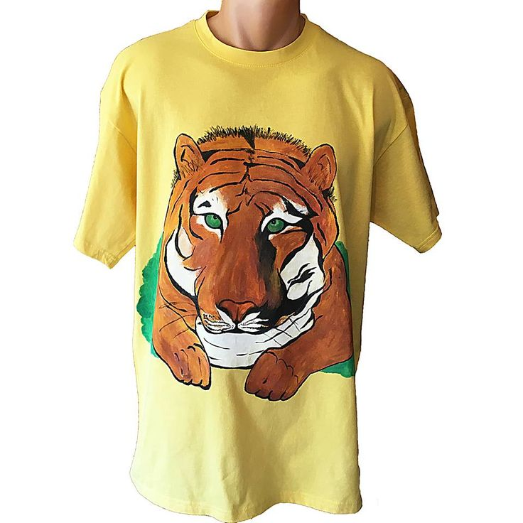 Handmade T-shirt Tiger   This T-shirt is suitable for all men and women, the material is 100% cotton and it's painted manual with quality and non toxic paint, which is also permanent. You can wash it in the washing machine or manually at 30 Celsius degrees.