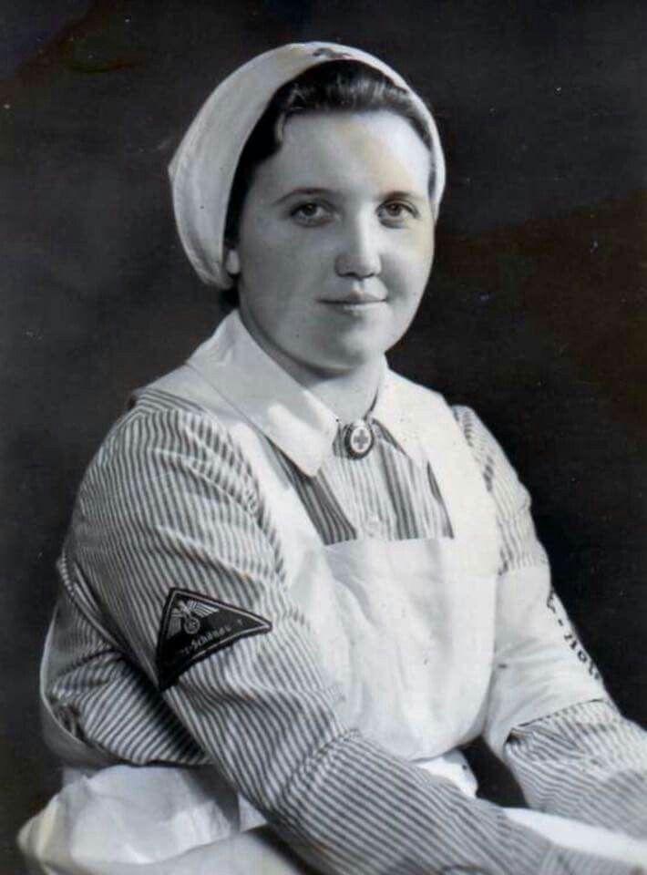 DRK helferin/nurse Deutsches Rotes Kreuz