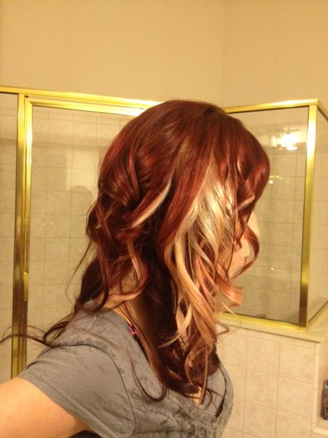 Red Hair with blonde peekaboos. I love this! Really want to try red hair but a little nervous to let go of the blonde..... <3