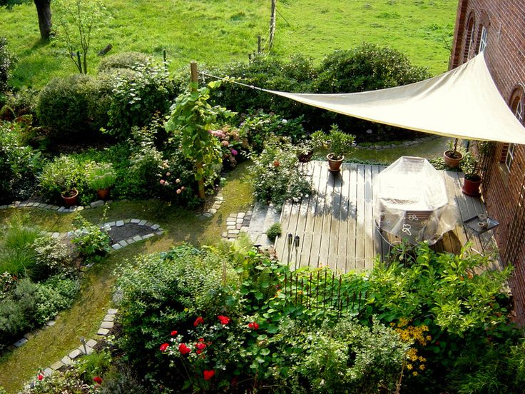 Elegant Baumrausch: Naturnahe Gärten · Naturnahe GärtenGarten