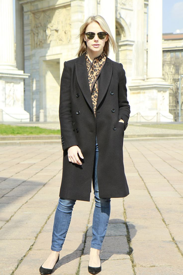 Carine Roitfeld pour Uniqlo black coat http://annayakimenko.com/blog/2016/03/07/style-coat/