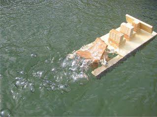 Gummiband Boot - basteln mit holz